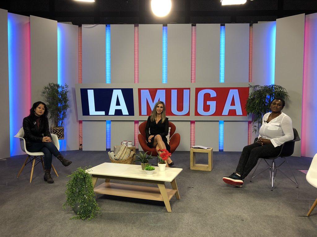 Satoko Kojima, Amaia Madinabeitia y Joy Ogbeide en el plató de La Muga de Navarra Televisión